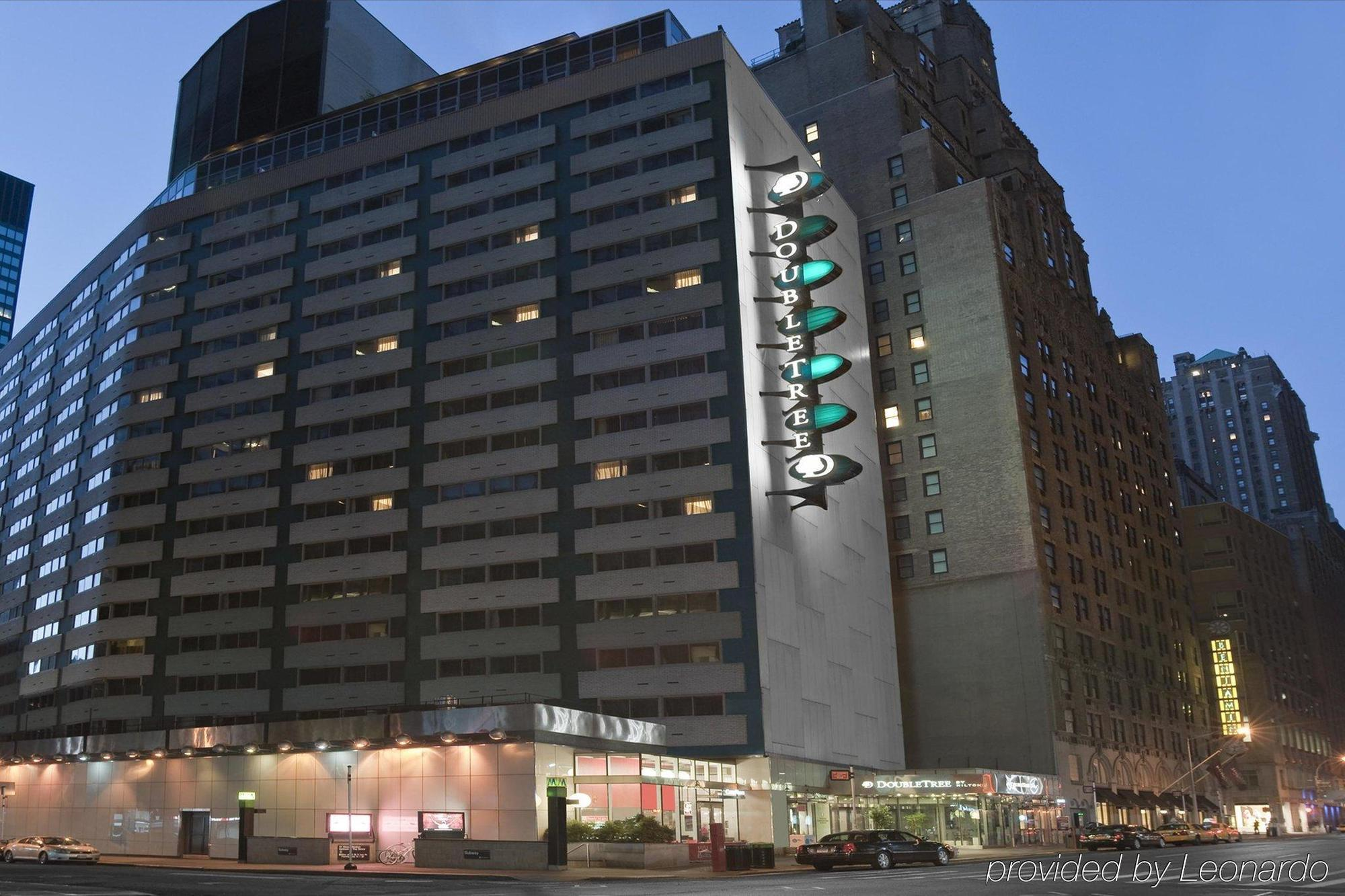Hotel doubletree metropolitan by hilton new york city for Modern hotel nyc